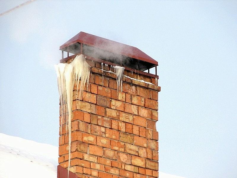 Обмерзание дымохода обусловлено неисправностями